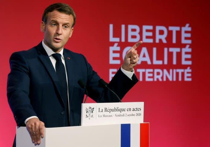 Emmanuel Macron accuse le Maroc et l'Algérie de financer l'Islam en France