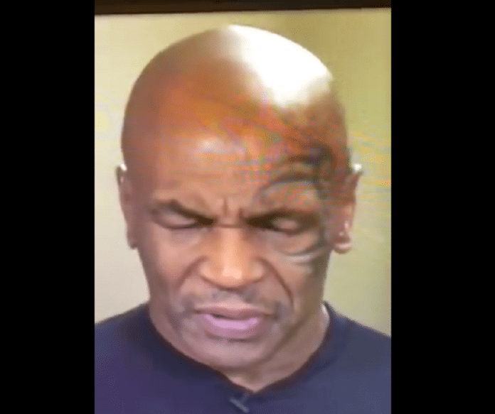 En pleine interview en direct Mike Tyson s'endort - VIDÉO