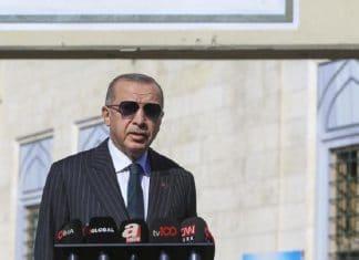 """Erdogan persiste : """"Emmanuel Macron est obsédé par moi jour et nuit"""""""