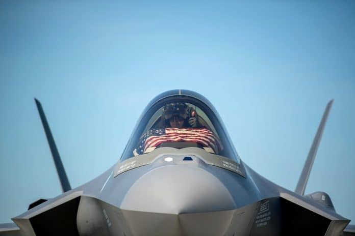 Israël s'opposera à toute vente d'avions de combat américain au Qatar