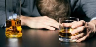 Maroc : Quatre jeunes consomment de l'alcool fabriqué avec du diluant pour peinture et en meurent