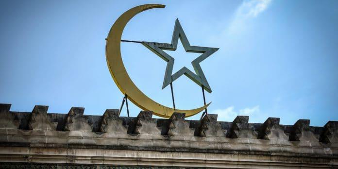 Mort de Samuel Paty - des internautes appellent à brûler une mosquée de Béziers