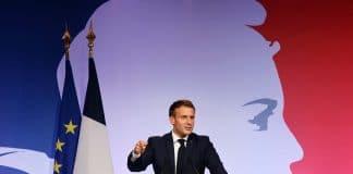 """Pour former les futurs Imams, Emmanuel Macron utilisera l' """"argent du Pèlerinage"""""""