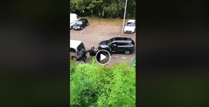Saint-Denis Amine porteur d'un handicap mental tabassé par la police - VIDEO