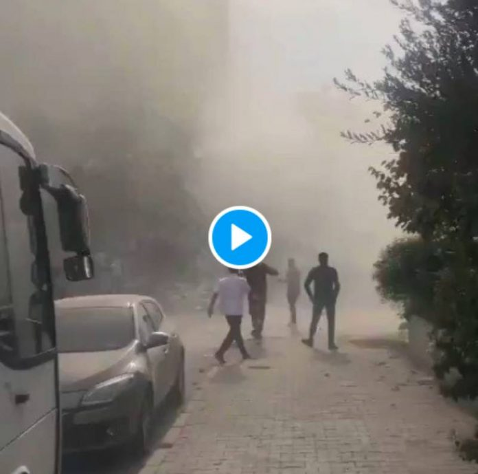 Turquie un violent séisme a frappé la ville d'Izmir - VIDEO