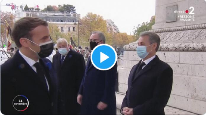 «Ça va, c'est pas trop dur en ce moment?» : l'échange embarrassant entre Hollande et Macron