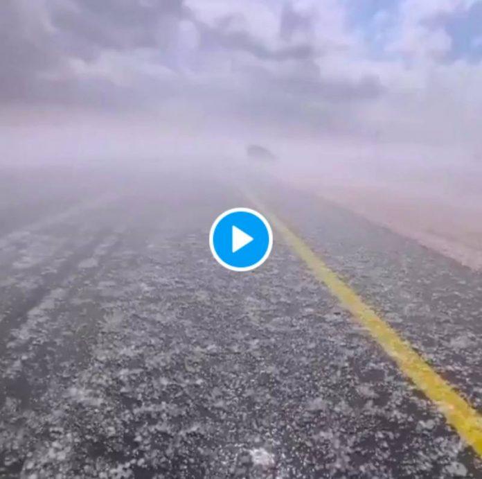 Arabie saoudite d'énormes grêlons s'abattent sur la région de Tabuk - VIDEO (1)