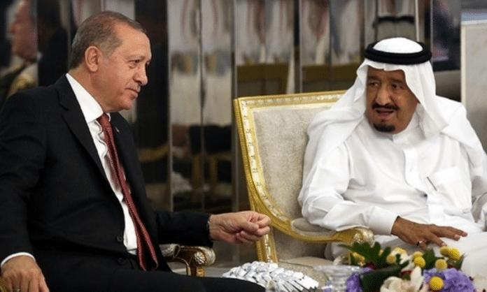 Le président turc Erdogan et le roi saoudien discutent de l'amélioration de leurs relations