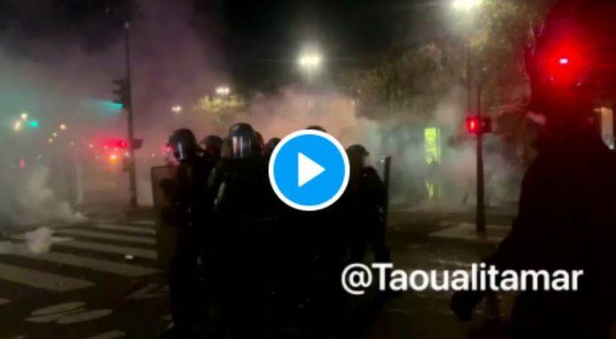 Loi sécurité globale un policier se fait lyncher par plusieurs personnes en marge de la manifestation à Paris- VIDEO