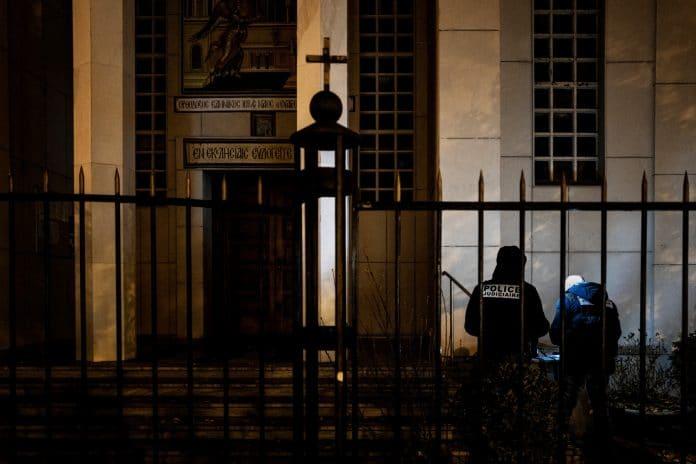 Lyon - le prête orthodoxe blessé par balles, victime des tirs du mari de sa maîtresse