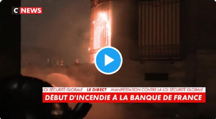 Manifestations à Paris : la Banque de France en flammes - VIDEO