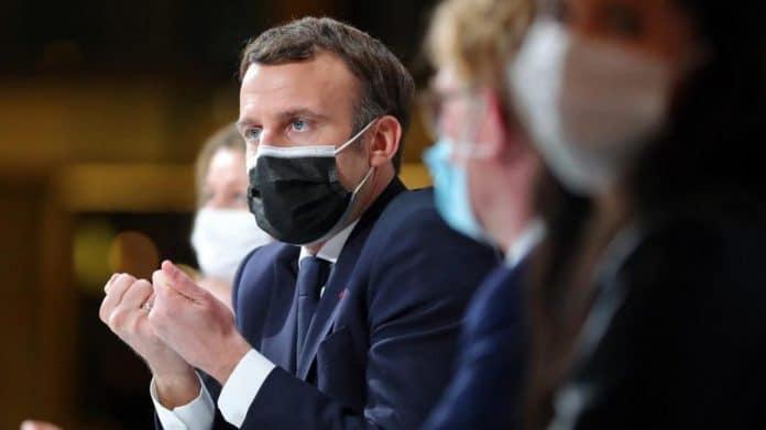 «Je les ai bien bais*** !Je leur ai mis profond ! » - Emmanuel Macron se lâche en privé