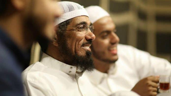 «Mon père a perdu la moitié de sa vue et de son ouïe» - le fils de cheikh Salman al-Odah témoigne de torture