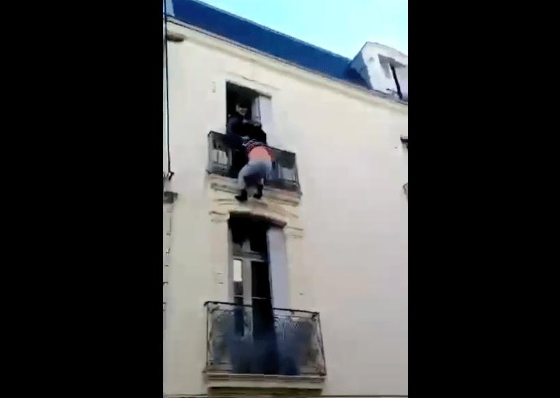 La vidéo du sauvetage héroïque d'un suicidaire par quatre jeunes témoins — Béziers
