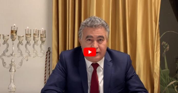Dans une vidéo, le ministre israélien Amir Peretz parle en Darija et s'adresse au peuple marocain