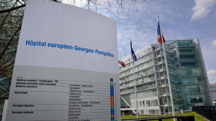 Des patients de l'hôpital Pompidou indignés par la présence de messages en arabe