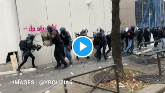 Des policiers attaqués au marteau hier lors des manifestations - VIDÉO