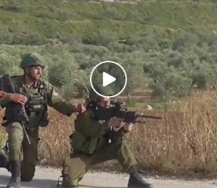 Des soldats israéliens tirent sur des Palestiniens pour s'amuser - VIDEO