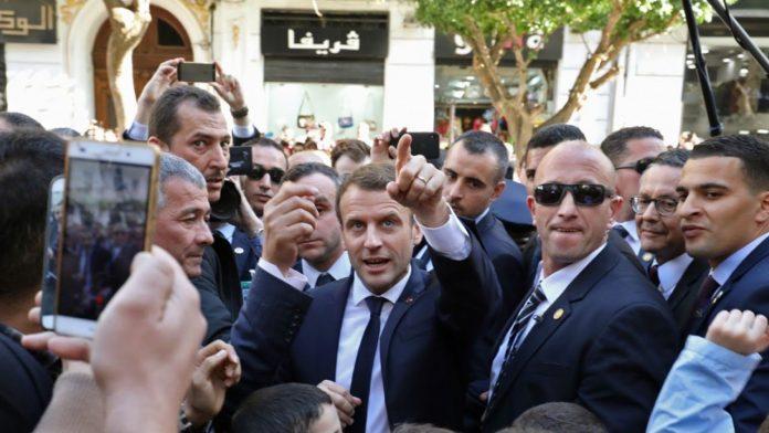 Emmanuel Macron a décidé de réduire le nombre de visa accordés aux Algériens