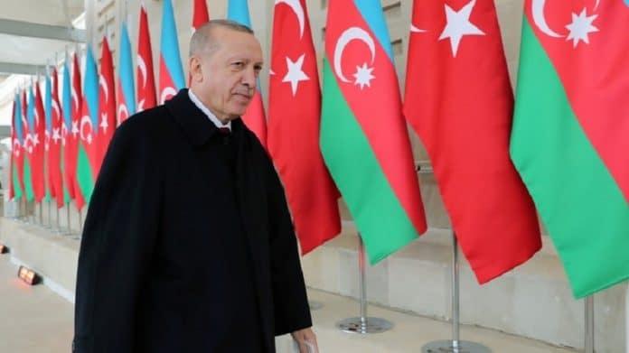 «Il n'a pas encore appris ce qu'est la politique» : Erdogan humilie de nouveau Macron