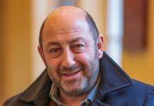 Kad Merad affirme qu'un ministre l'a consulté concernant la crise sanitaire