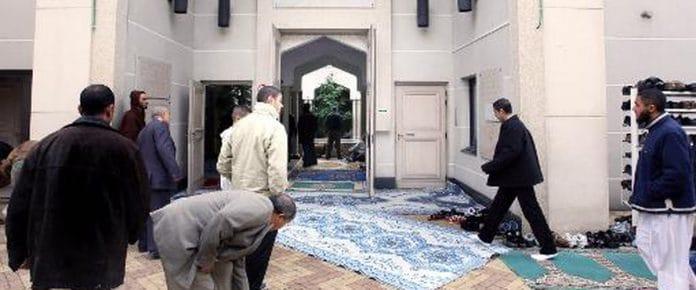 Les représentants de la Grande Mosquée de Lyon s'agacent des divergences entre le CFCM et la Grande Mosquée de Paris2