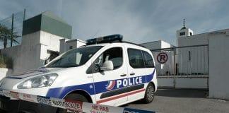 Marseille - un homme battu à mort dans une cage d'escalier devant sa mère