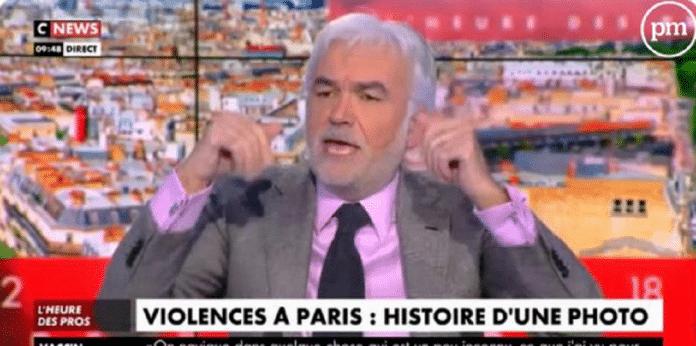 Pascal Praud exige l'éviction de Guillaume Meurice de France Inter après une blague sur les policiers