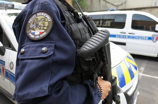 Saint-Denis - la police municipale autorisée à porter des pistolets semi-automatiques