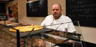 Le boulanger en grève de la faim conduit aux urgences