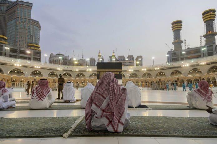 Covid-19 : l'Arabie saoudite requiert la vaccination pour accomplir la Omra