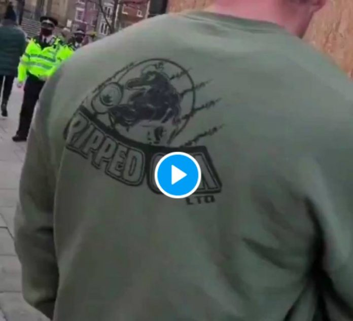 Covid-19 un homme violemment interpellé pour non-port du masque - VIDEO
