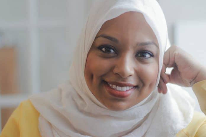 Canada : Ginella Massa, la première journaliste musulmane voilée entre dans l'histoire