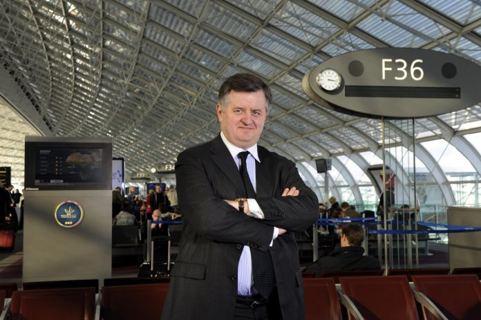 Le président des Aéroports de Paris annonce qu'un «certificat sanitaire» sera nécessaire pour voyager