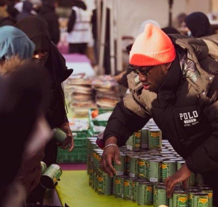 Vitry-sur-Seine le rappeur Mokobé et l'association musulmane Human Appeal organisent un marché solidaire (1)