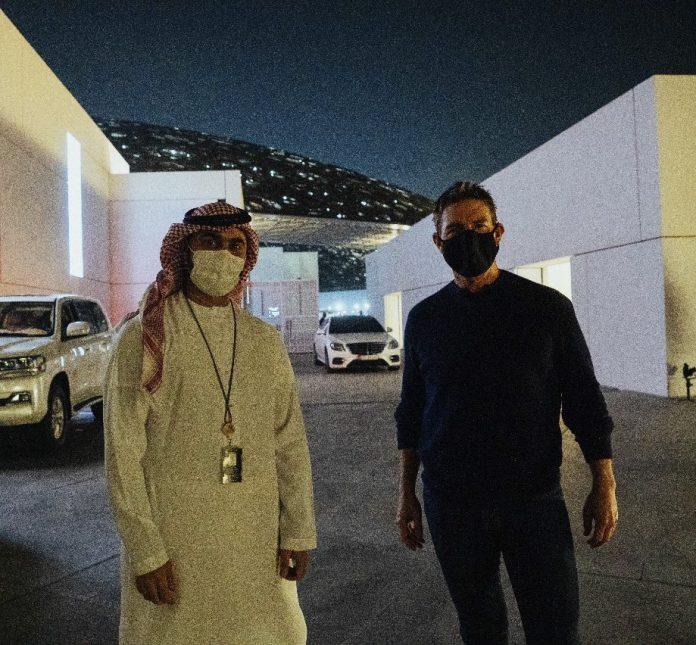 J'aime votre pays - Tom Cruise repéré au Louvre d'Abu Dhabi