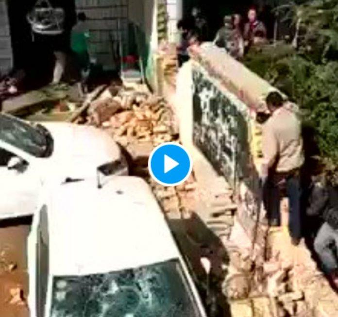Chine une mosquée sauvagement attaquée par des centaines d'islamophobes - VIDEO