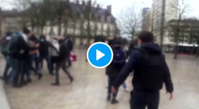 Dijon des extrémistes de droite agressent une jeune fille voilée en pleine rue - VIDEO