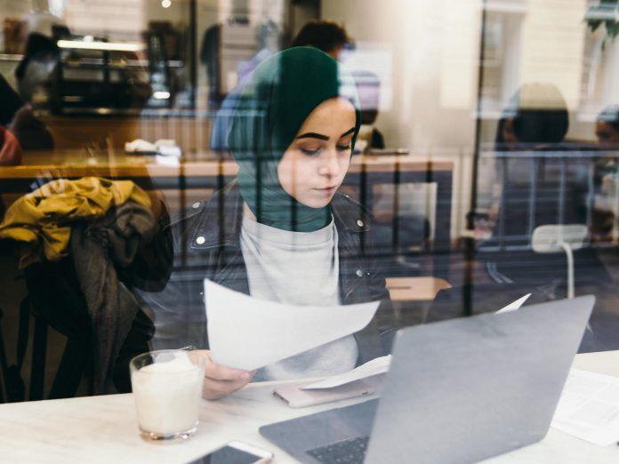 H&M, Ikea, Action,… Découvrez la liste des entreprises qui recrutent des femmes voilées sans discrimination à l'embauche