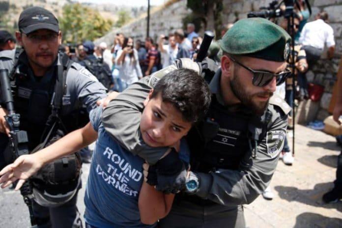 Le récit choquant d'un enfant palestinien de 13 ans torturé par la police israélienne
