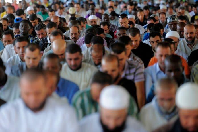 Plus de 500 cadres de la communauté musulmane s'oppose à «la charte des imams»