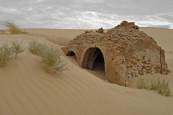 Algérie - une forte tempête de sable révèle une mosquée dans le désert datant du Vie siècle de l'Hégire2