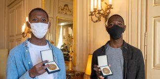 Bretagne - Ibrahim et Djibril sauvent un vieil homme de la noyade - VIDEO
