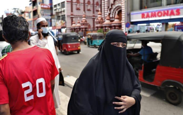 Le Sri Lanka va interdire la burqa et fermer 1000 écoles islamiques