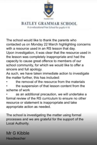 Royaume-Uniune école s'excuse après qu'un enseignant ait montré des caricatures de Charlie Hebdo visant le Prophète ﷺ