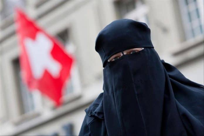 Suisse : des femmes juives et catholiques en faveur du port de la burqua
