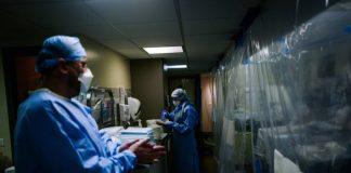 Un médecin légiste demande un audit, car les personnes qui se sont rétablies il y a 9 mois comptent comme des décès dus au COVID-19.