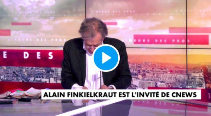 «Je ne savais pas que l'émission avait commencé !» Finkielkraut part en vrille oubliant qu'il est en direct - VIDEO
