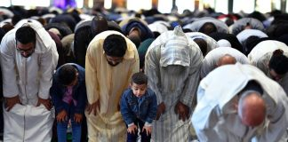 Aïd al-Fitr - le ministère de l'Intérieur interdit les prières en extérieur pour les musulmans