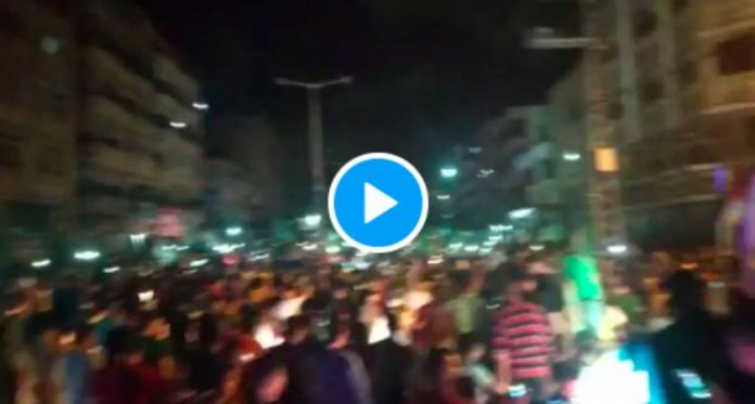 De Jérusalem à Gaza, des milliers de Palestiniens célèbrent la victoire - VIDEO